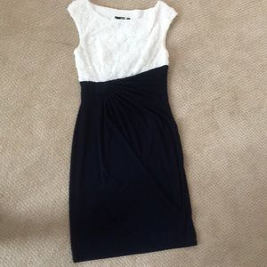 Like new! Navy and white dress size 6